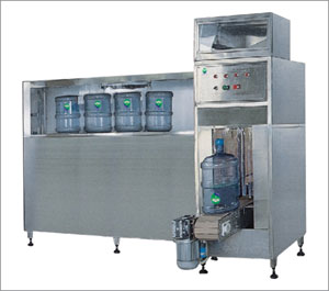 PLC-controlled auto bottle washing and filling machine
