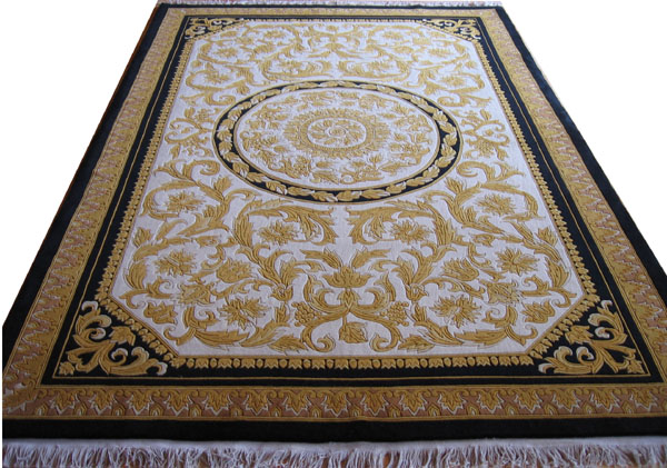 HANDKNOTTED CARPET