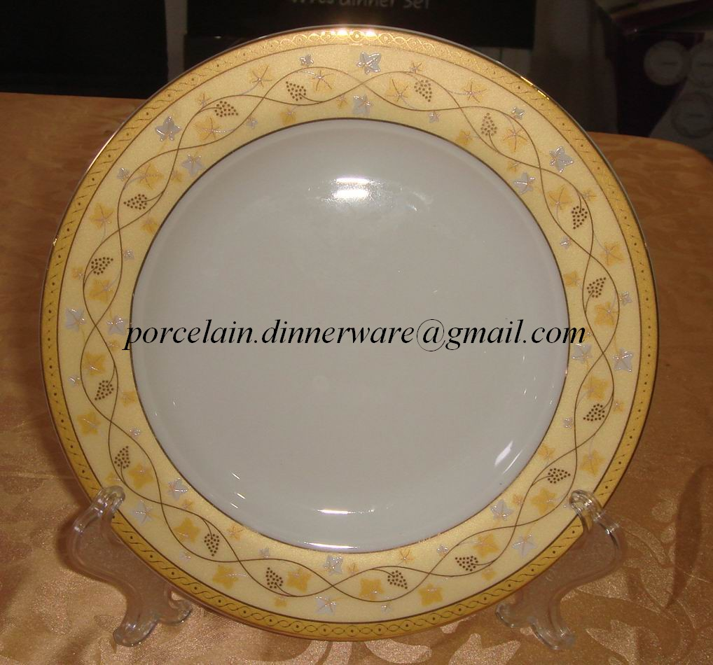 Porcelain Plate For Famia